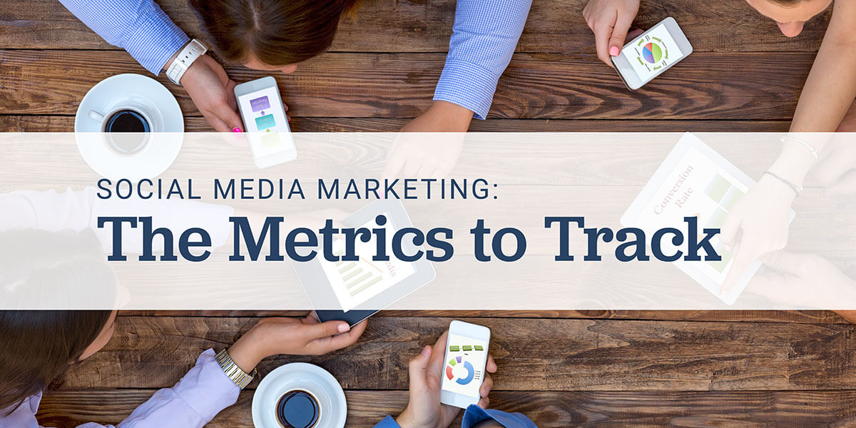 collaborating on smart phones - social media marketing